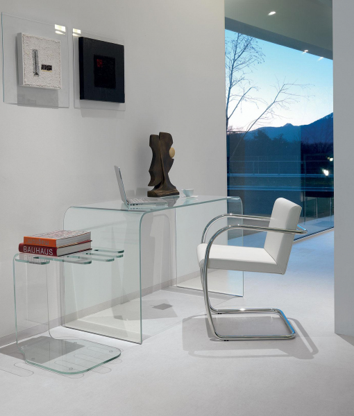Accademia curved glass desk