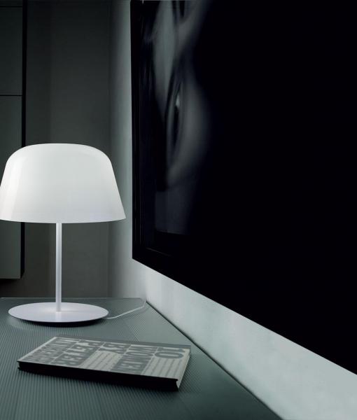 Ayers lampada da tavolo in vetro soffiato bianco
