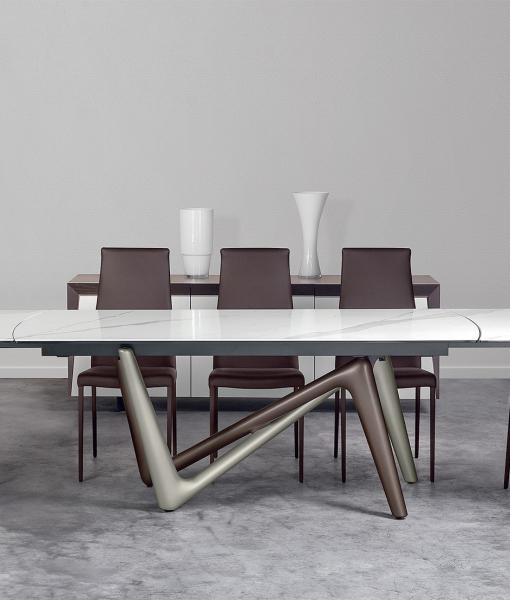 Edge extensible ceramic table