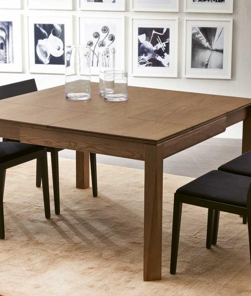 PLURIMO tavolo da pranzo quadrato allungabile in frassino tinto noce