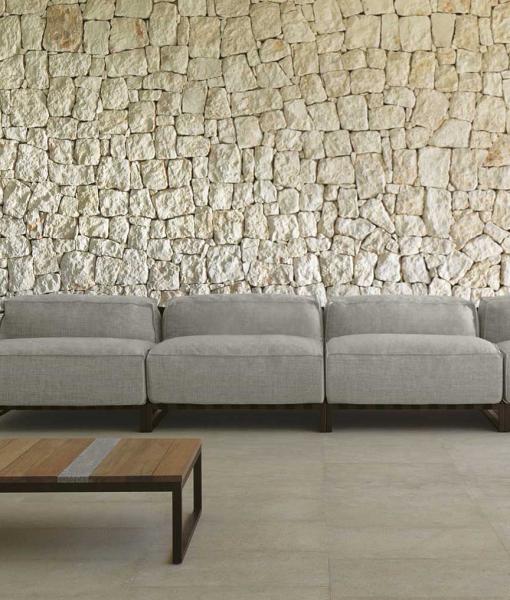 SantaFe canapé d'extérieur linéaire. Design de Ramón Esteve.