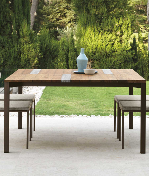 SantaFe table de jardin en iroko e travertin. Design Ramon Esteve.