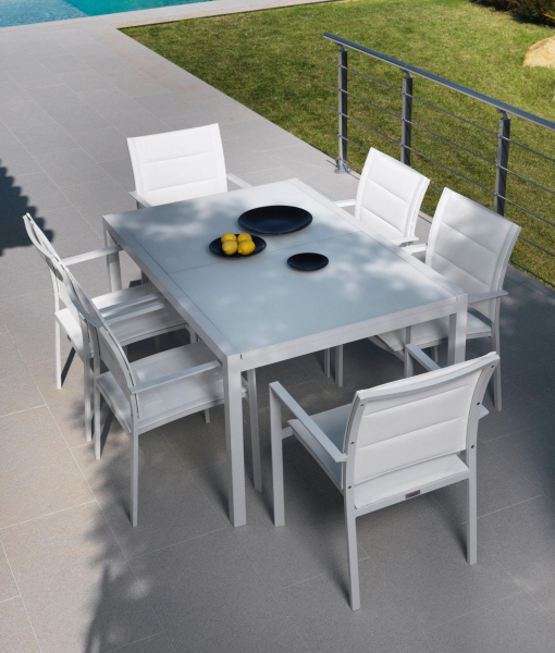 Sense outdoor extendable table - aluminium frame and glass top