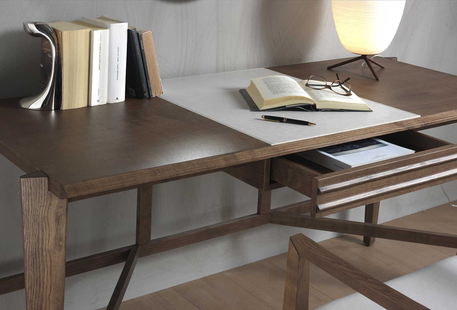 ARAMIS Writing desk with a structure in solid tobacco stained ash and leather inserts.