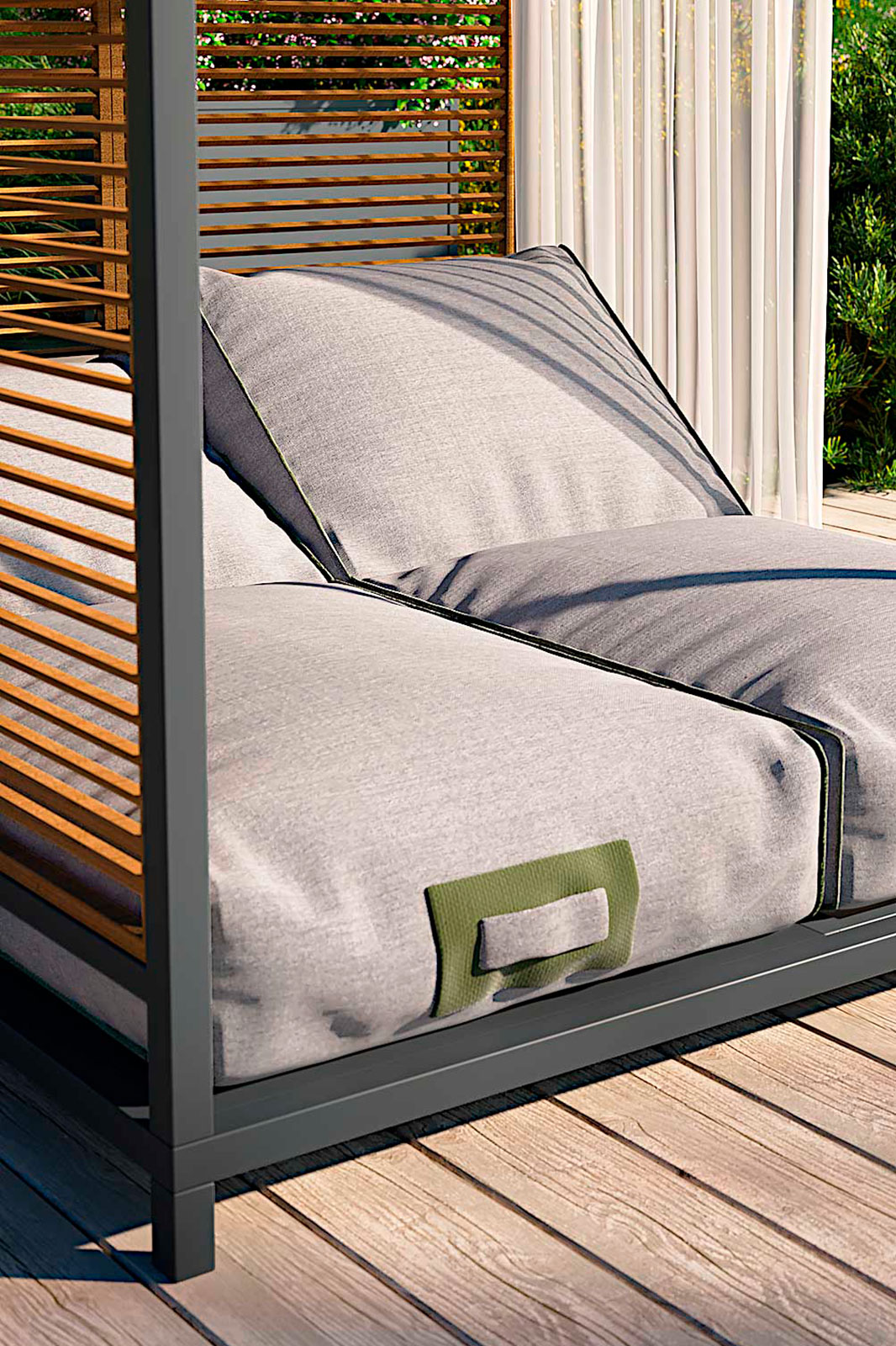Outdoor daybed with filtering ceiling for a perfect twilight. Aluminium frame, Sunbrella and Tempotest coverings, reclining backrests. Free home delivery.