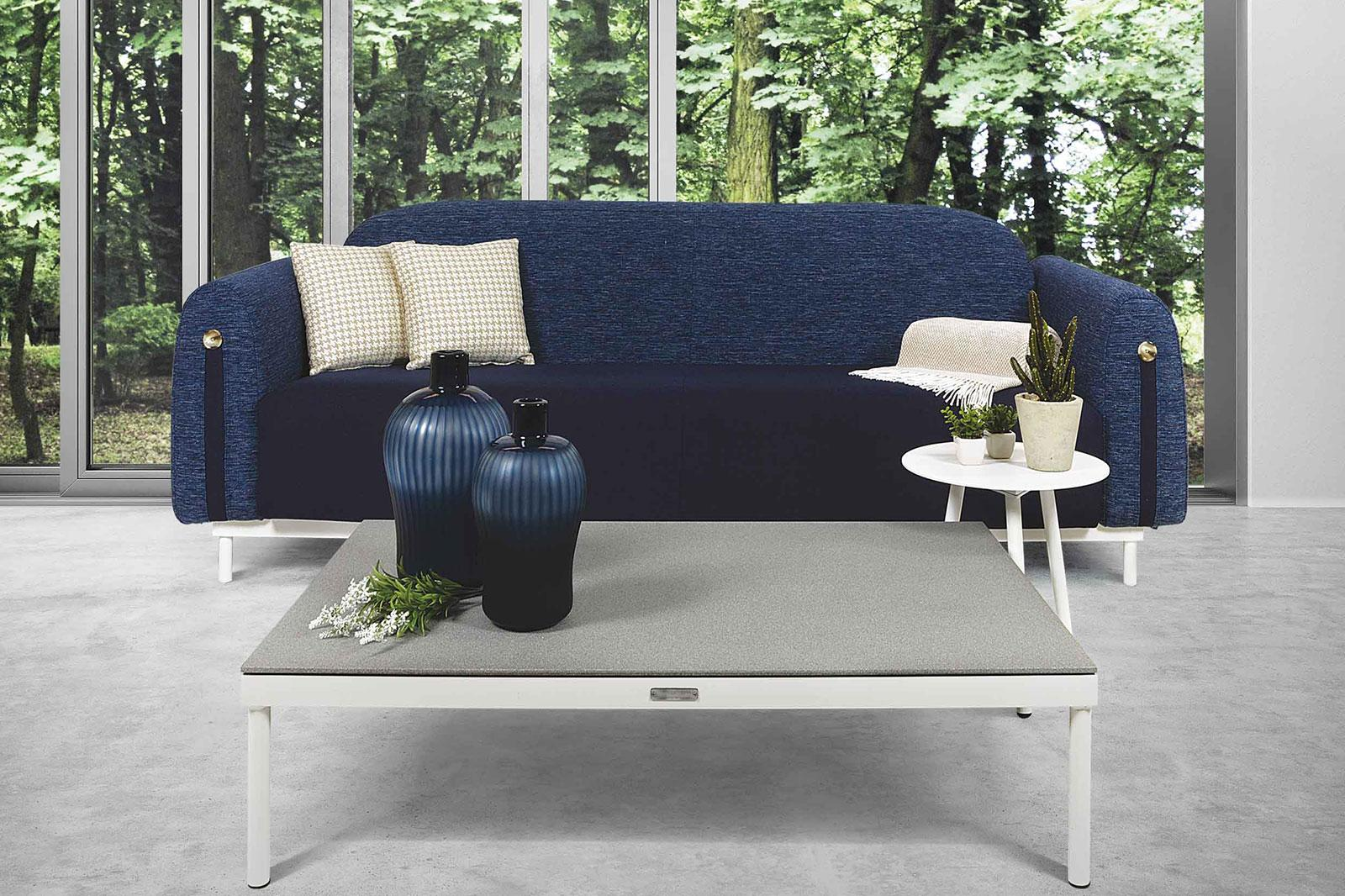 Create your patio furniture set with our contemporary style garden sofa. Aluminium frame and high quality fabric covering. Free shipping. Several colours.