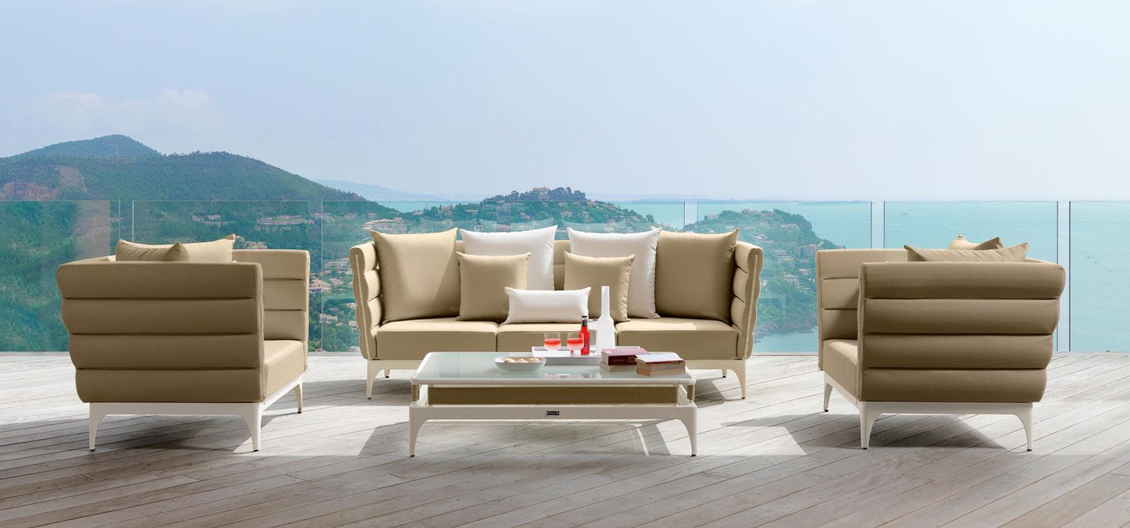 Bold salotto da esterno italy dream design for Arredo terrazza giardino offerte