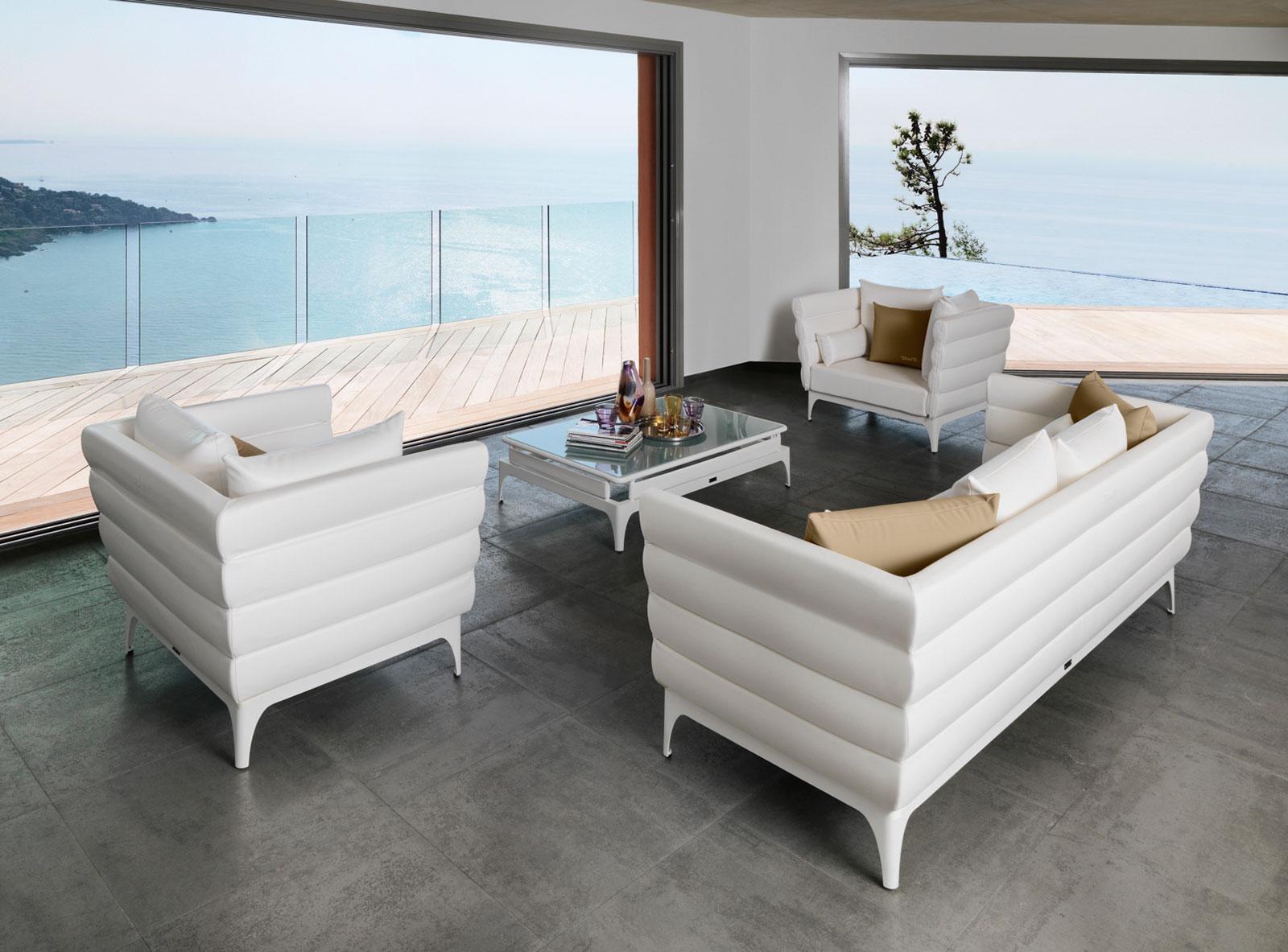 Bold salotto da esterno italy dream design for Salotto bianco