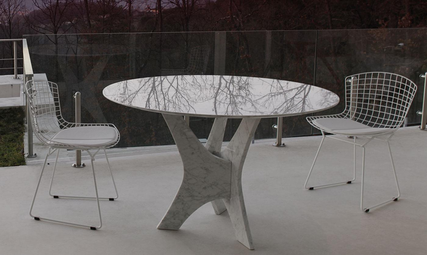 Brera round glass dining table shop online italy dream for Salle a manger table ronde