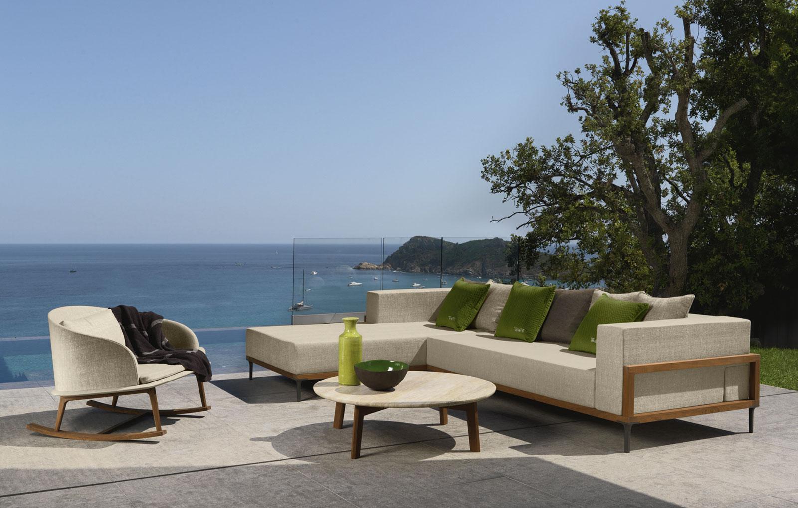 poltrona a dondolo da esterno giardino made in italy design prezzi arredamento da esterno lusso marco Acerbis teak sunbrella