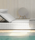 Roberto Serio designed this luxurious sunbed, perfect for villas, hotels or yachts. In a garden, by poolside or on a wide terrace, enjoy the relax.
