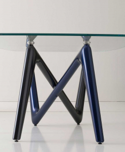 Unusual legs intersection in blue and anthracite grey colour and extra clear safety glass cm. 110 x 220 or 120 x 240. Luxurious original rectangular table.