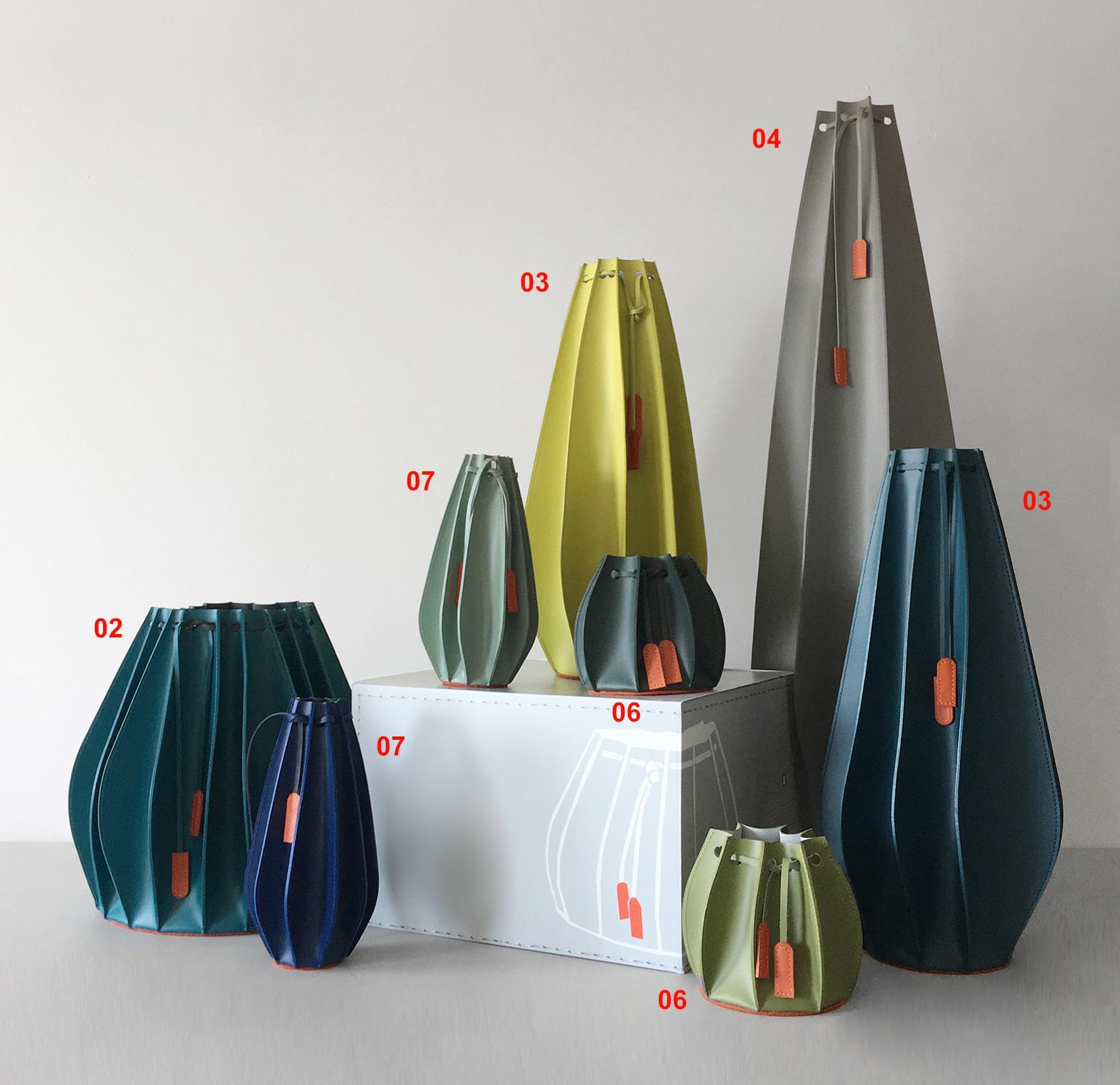 Vase en cuir made in italy. Objet décoratif, décoration maison et bureau. Vide poche. Design Gian Paolo Venier. Achat en ligne. Livraison à domicile.