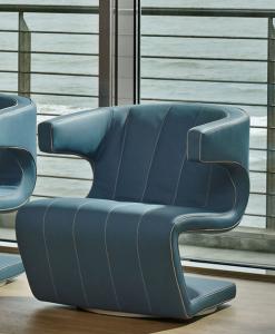 Giuseppe Viganò a dessiné Dean, un fauteuil tournant en cuir d'excéption pour villas, hotels et yachts de luxe. Personnalisation maximale et livraison à domicile.