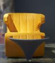 Pour villas, hotels et yachts d'excéption, la décoration d'intérieur la plus luxueuse avec le fauteuil tournant en cuir Fly dessiné par Giuseppe Viganò.