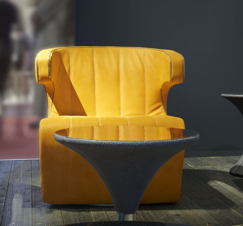 Only for the best and more luxurious homes, hotels or yachts, Dean leather swivel armchair by Giuseppe Viganò will furnish your interior with elegance.