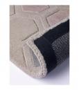 Tappeto in lana moderno dominante beige. Vendita online di tappeti design con consegna gratuita a domicilio. Tappeti geometrici di lusso taftato a mano.