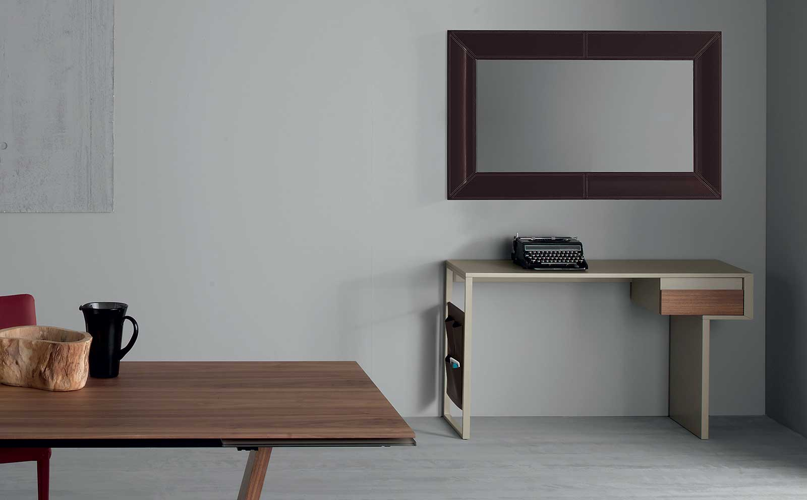 arredare con mobili antichi e moderni. Black Bedroom Furniture Sets. Home Design Ideas