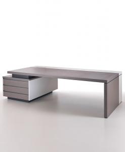 Bureau directionnel en chêne clair et cuir beige avec meuble tiroirs. Vente en ligne de meubles de bureau haut de gamme made in italy. Livraison gratuite.