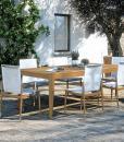 Tavolo da esterno rettangolare con piano in teak Indonesiano. Decoro in acciaio satinato. Tavolo da pranzo per il giardino di alta qualità. Vendita online.
