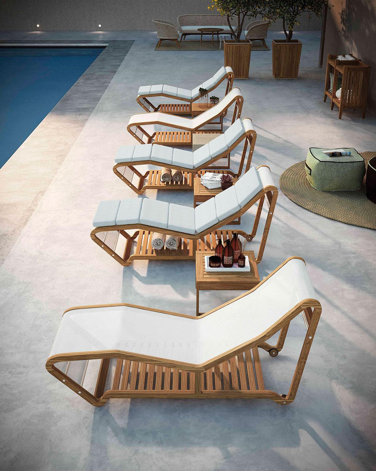 Chaise longue da giardino con struttura in teak ed acciaio. Seduta in textilene bianco. Mobili da esterno. Vendita online