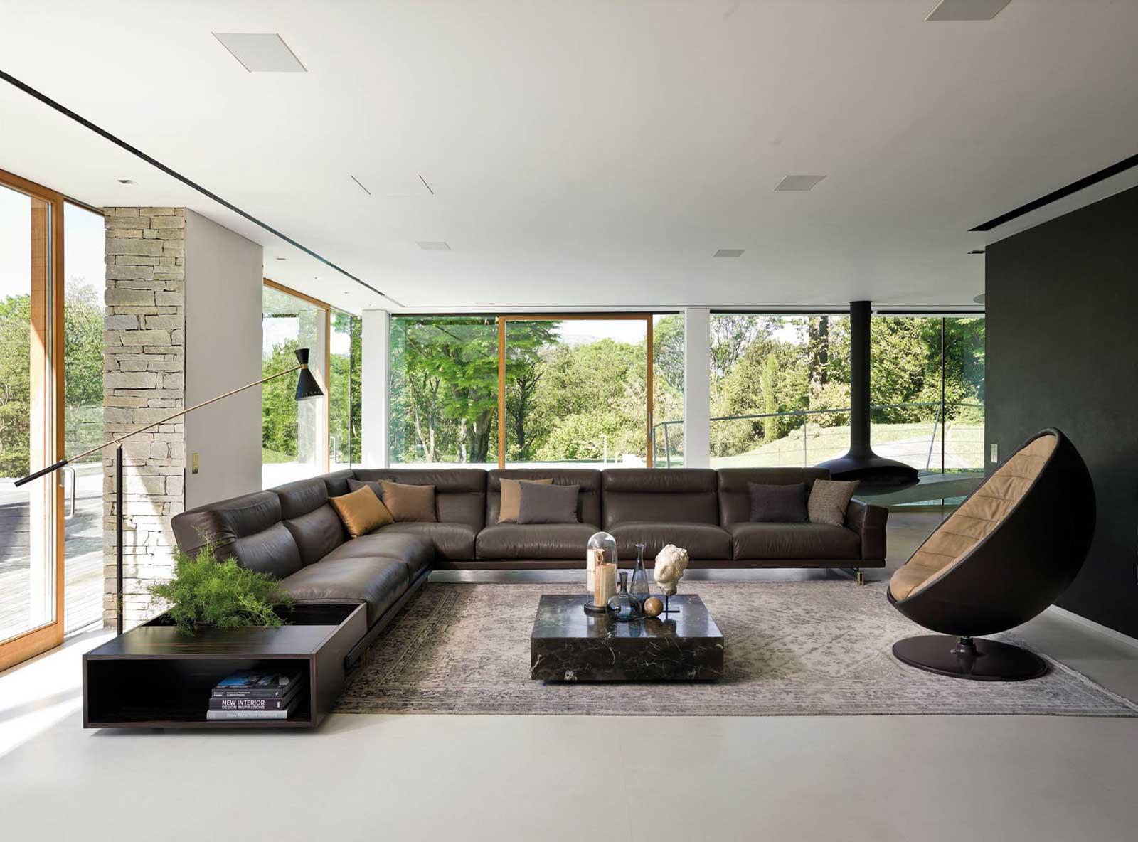 Tavolino in vetro e cristallo. Vendità online di tavolini design e mobili di lusso made in italy. Consegna gratuita. Arredamento di alta qualità.