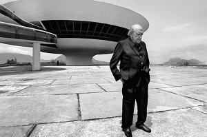 Oscar-Niemeyer-al-Mac-Niteroi