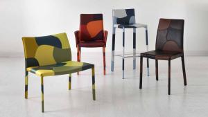 40 elementi e 2.000 cuciture. Una sedia in cuoio da collezione. Vera pelle in 4 mix di colori diversi. Originale e design. Consegna a domicilio.
