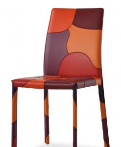 Vite! Découvrez notre collection de chaises de salle à manger fabriquées en Italie artisanalement. Chaises de salon et modernes pour toutes les ambiances.