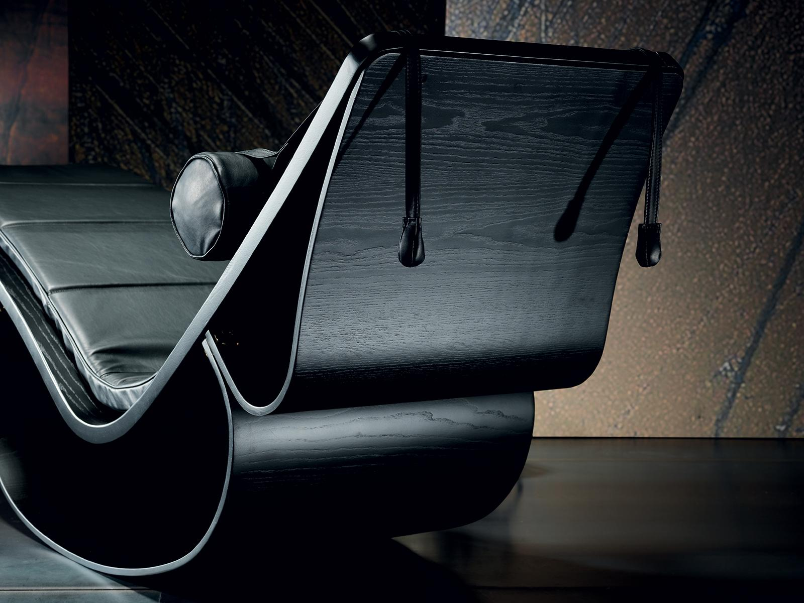 Rio Leather Chaise Lounge By Oscar Niemeyer Shop Online