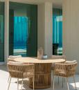 Tavolo rotondo da esterno design in alluminio con intreccio di corda. Vendita online di mobili di lusso per giardini e terrazze con consegna gratuita.