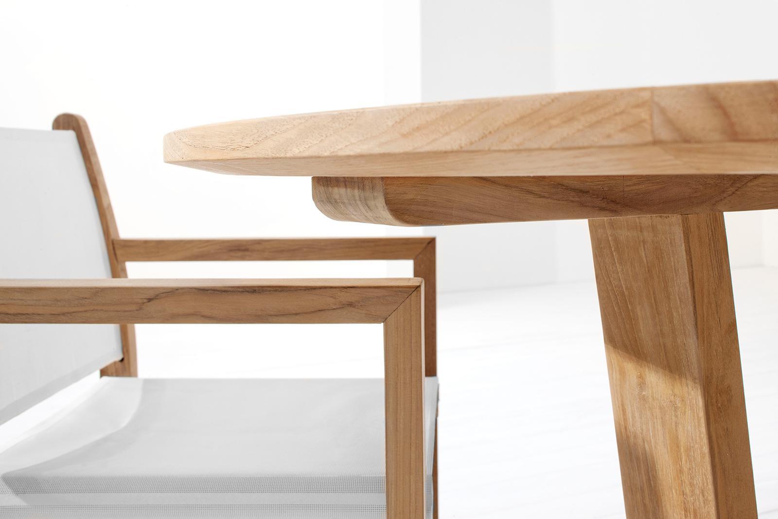 Sahara tavolo rotondo da esterno in teak italy dream design for Tavolo sedie esterno