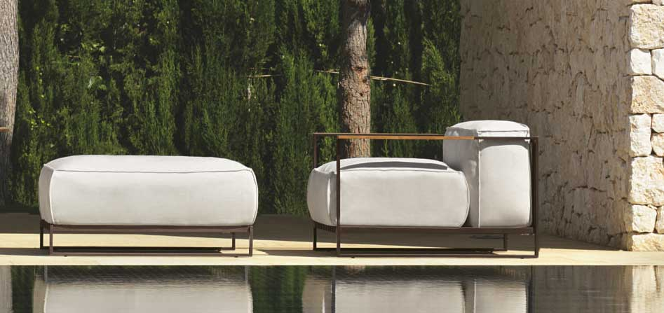Garden armchair in brushed stainless steel. Patio furniture for the most luxurious outdoor spaces. Design by Ramon Esteve. Buy online. Worldwide shipping.