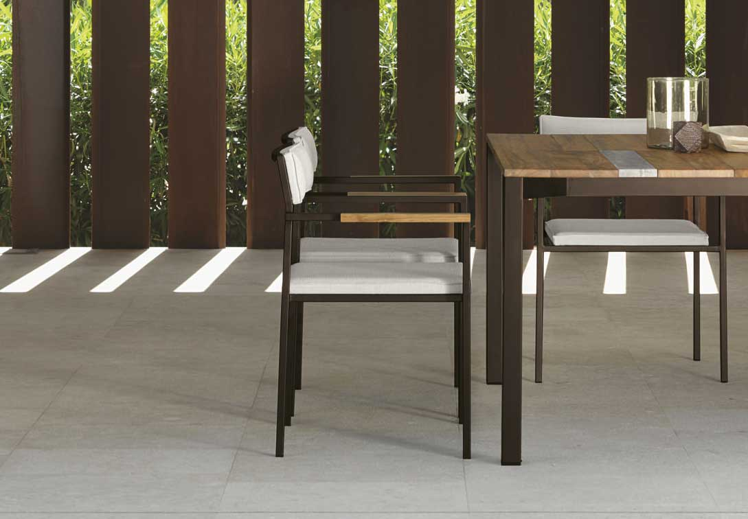 Santafe sedia con braccioli da giardino italy dream design for Sedie outdoor design