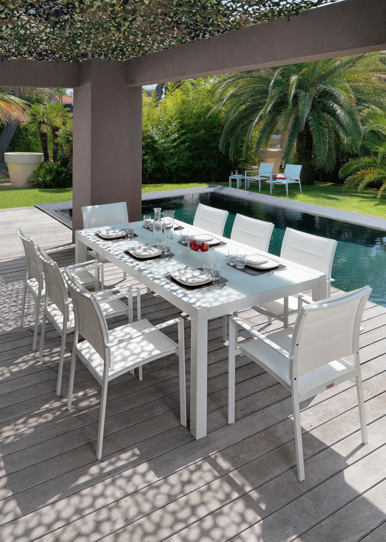 Sense patio extendable table outdoor furniture shop for Table exterieur alu verre