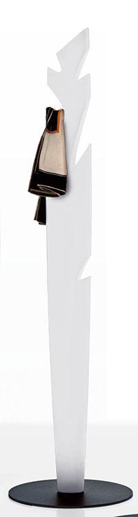 Appendiabiti in polietilene bianco, nero o tortora. Riciclabile, moderno, solido ed originale. Made in Italy. Vendita diretta e consegna a domicilio.