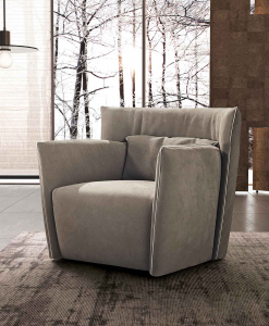 Tulip Armchair in BURT F613 leather