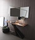Console rettangolare bicolore disegnata da Andrea Lucatello. Finitura bronzo metallizzato + noce canaletto. Made in Italy. Consegna a domicilio gratuita.