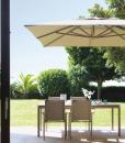 Ombrellone design bianco grigio o tortora. Vendita online di accessori da giardino di lusso con consegna gratuita. La qualità made in italy per giardini.