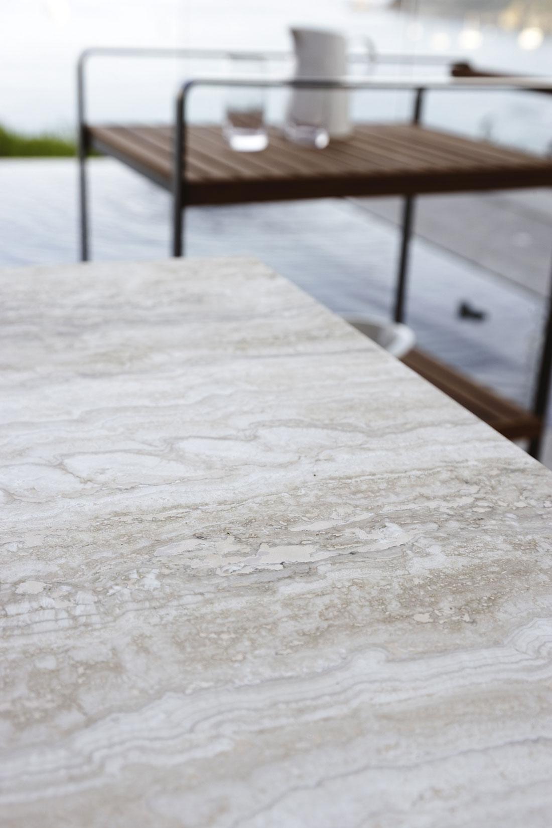 tavolo da pranzo rettangolare da esterno giardino made in italy design prezzi arredamento da esterno lusso marco Acerbis teak marmo travertino