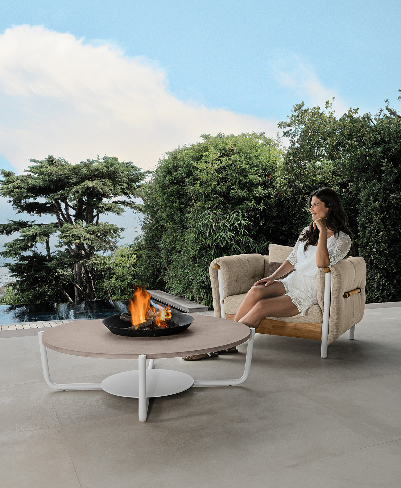 Outdoor aluminium armchair. Armchair for garden and terrace. Buy online our luxury garden furniture. Outdoor handcrafted furniture made in Italy