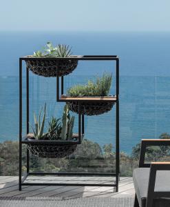 Jardinière en aluminium d' extérieur. Jardinière design pour balcons et terraces. Meubles de jardin made in italy.