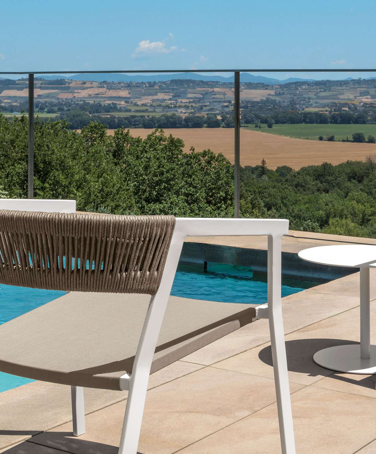 ken chaise de jardin en aluminium avec accoudoirs idd. Black Bedroom Furniture Sets. Home Design Ideas