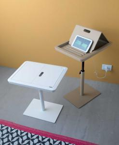 tavolino per tablet porta tablet made in italy tortora bianco design