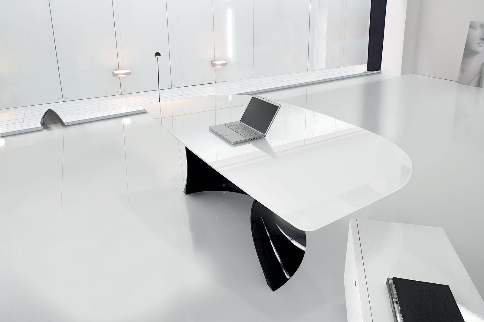 Ola black and white bureau directionnel idd - Bureau de direction luxe ...