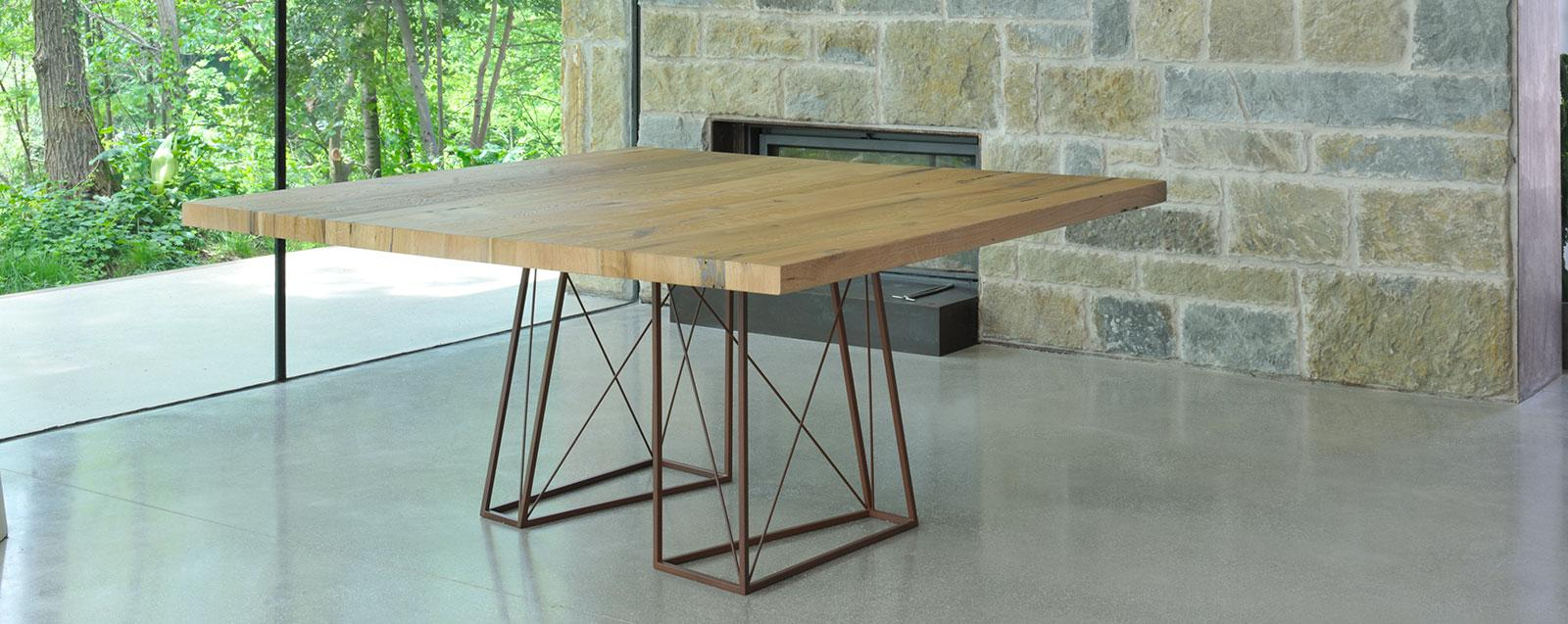 Roxy table en bois de briccola de venise idd for Table de salle a manger carre