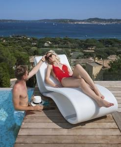 Luxury sunbed outdoor chaise longue made in italy manufacturer design garden luxury karim rashid pool garden yacht hotel