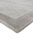 Tappeto design in Tencel, colore dominante avorio. Vendita online di lussuosi tappeti originali con consegna gratuita. Tappeto quadrato o rettangolare.