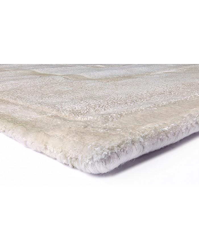 Dominus Moon è un tappeto in 100% Tencel della collezione Sitap. Materiale naturale, design italiano, alta qualità. Vendita online, consegna a domicilio.
