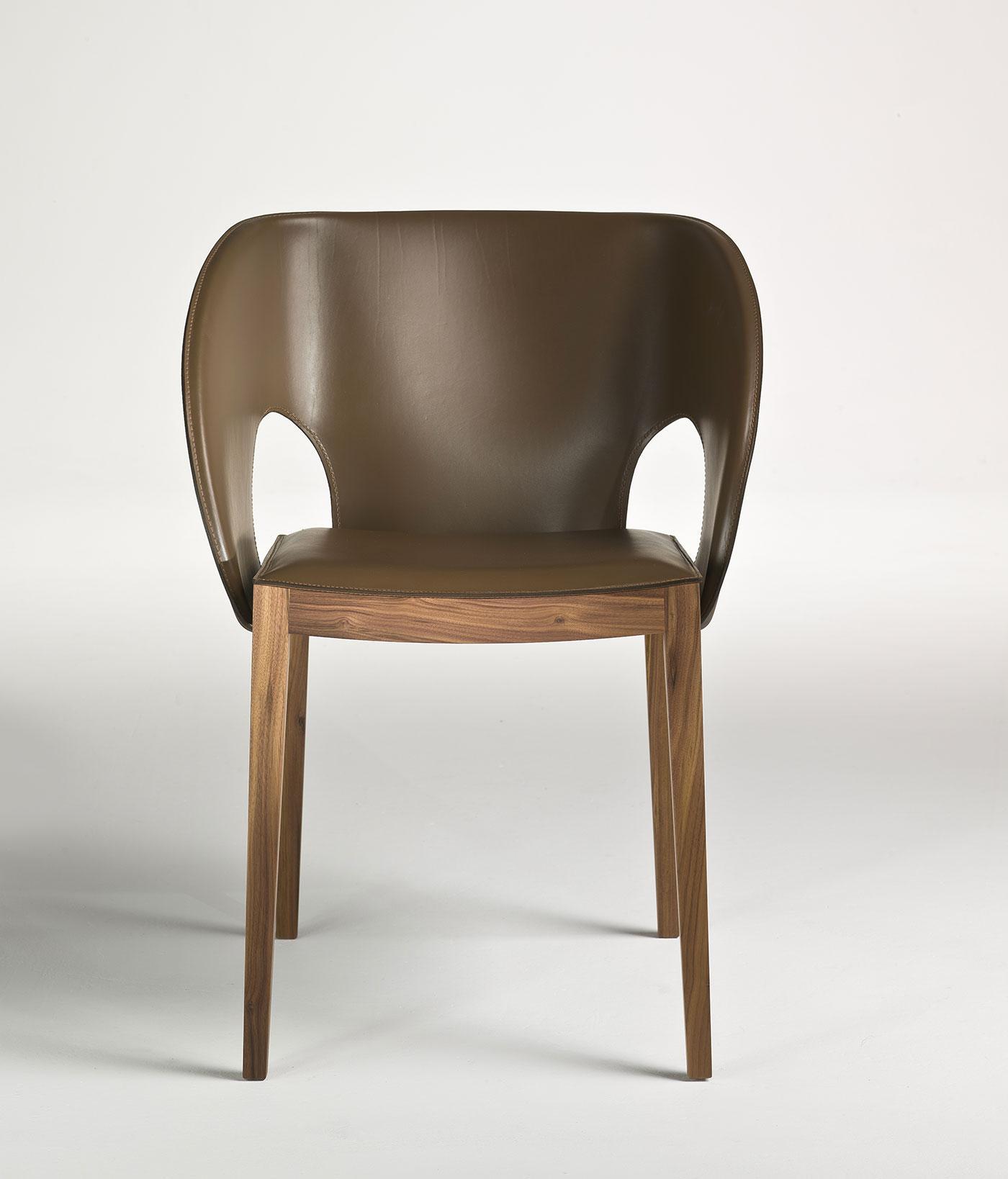 Voile chaise revêtue en cuir   idd